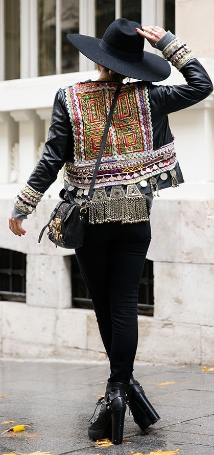 Black Tribal Embellished Moto Jacket by Peeptoes                                                                                                                                                                                 Más