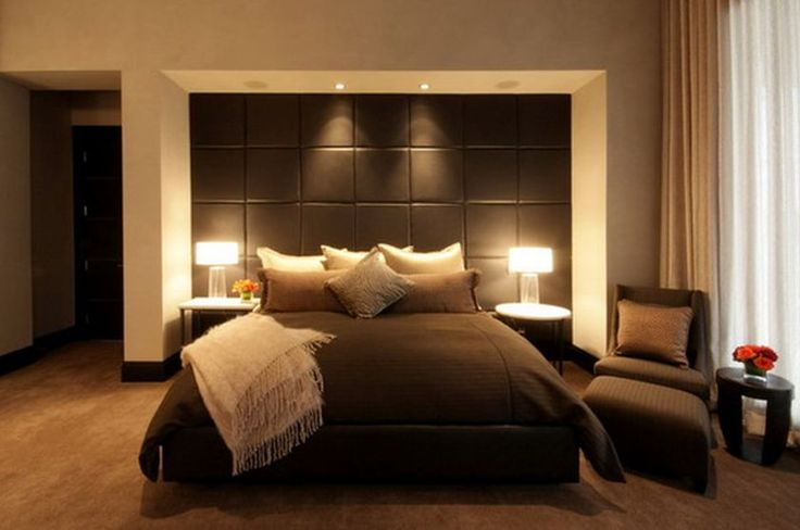 excellent-bedroom-design-ideas-featuring-cozy-black-bedcover-on-queen-bed-head-size-and-elegant-desk-lamp-decorations-also-comfy-single-sofa-armless-on-the-corner-as-well-as-interior-design-magazines-840x558.jpg (840×558)