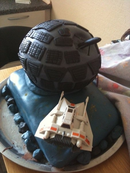 Star wars fondant cake