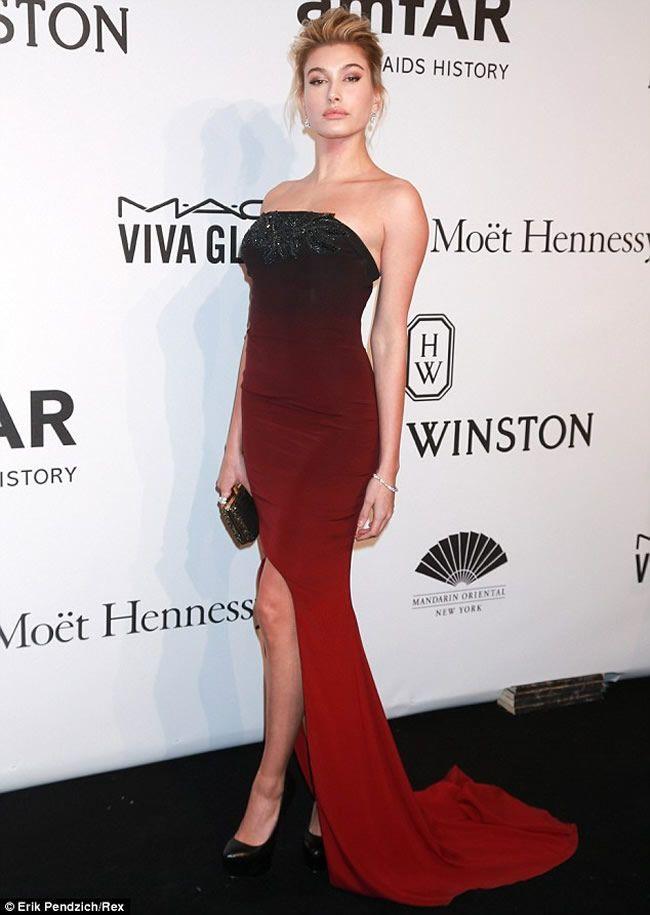Hailey Baldwin Stuns at amfAR Gala