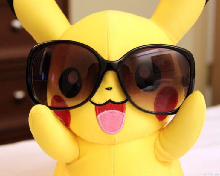 Игрушечный пикачу в солнцезащитных очках - аватары, картинки, фотографии