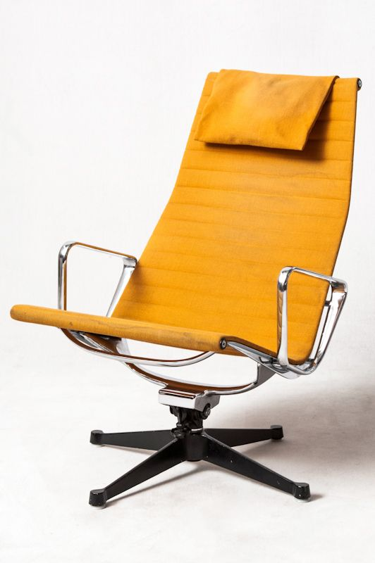 charles ray eames alu lounge chair ea 124 for vitra. Black Bedroom Furniture Sets. Home Design Ideas