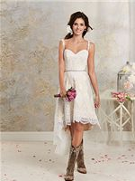 Hippe trouwjurk met cowboy laarzen