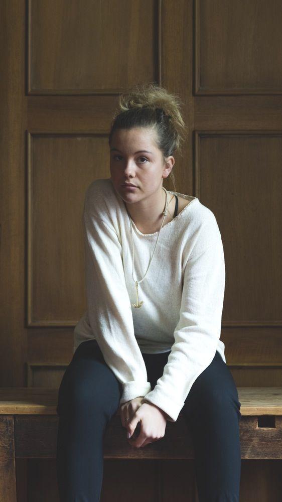 Le llamamos Juliette. Un jersei unisex puro de algodón, totalmente hecho a mano, significado de artesania experta de la casa Bonnin. Estamos...