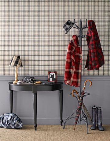 Give visitors a warm welcome with an entry hall decked in soft taupe checks.