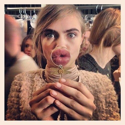 Cara Delevingne - kiss me!