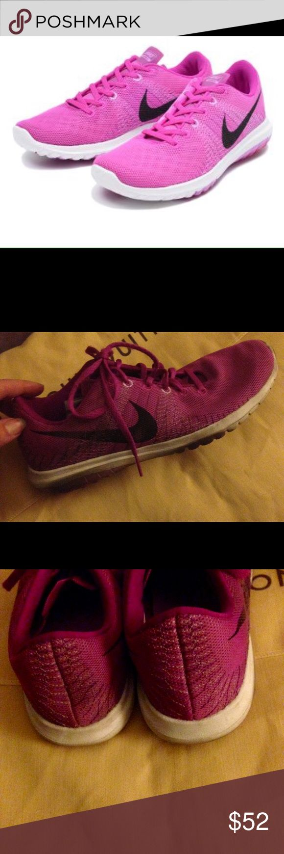 Women's Nike flex running shoes sz 8 Women's Nike flex running shoes sz 8. Great mesh front for comfort. Comfort sold. Lightweight and comfortable. Great for cross training too. Nike Shoes Sneakers