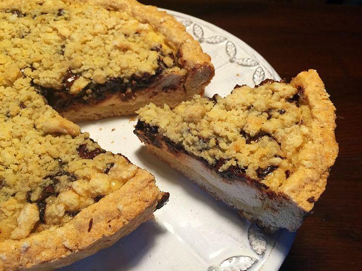 Crostata Ricotta e Cioccolato Senza Burro, una frolla all'olio che racchiude una golosa crema realizzato da dolci senza burro