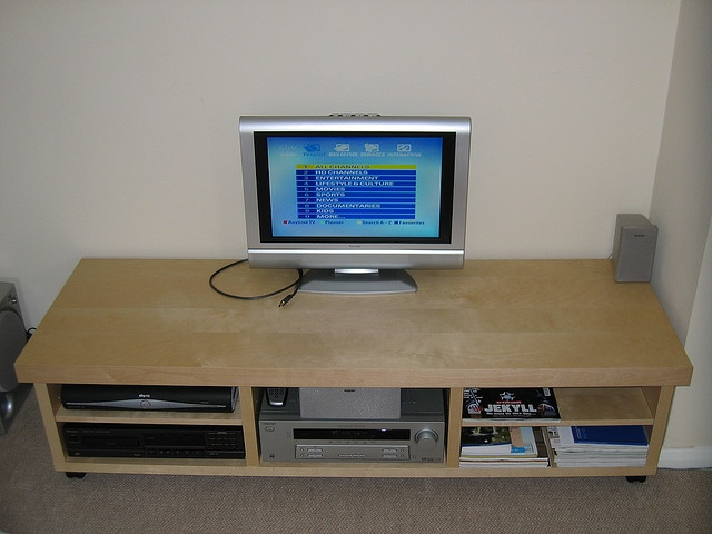 TV and HiFi System | Flickr - Photo Sharing!