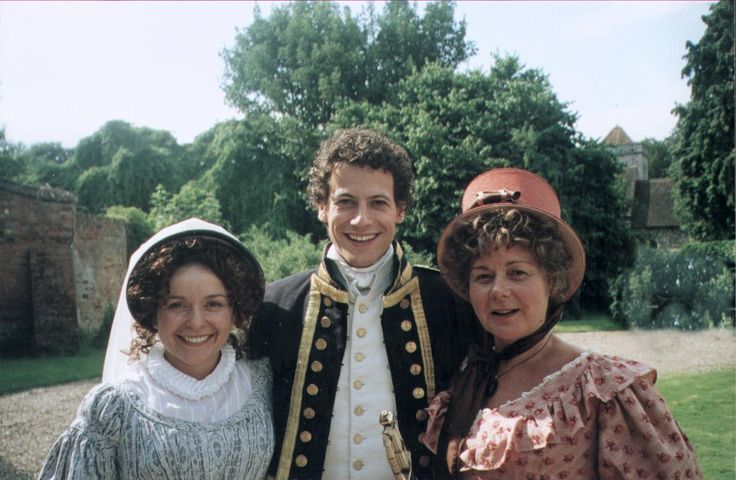 Julia Sawalha, Ioan Gruffudd, and Barbara Flynn in the Horatio Hornblower movies