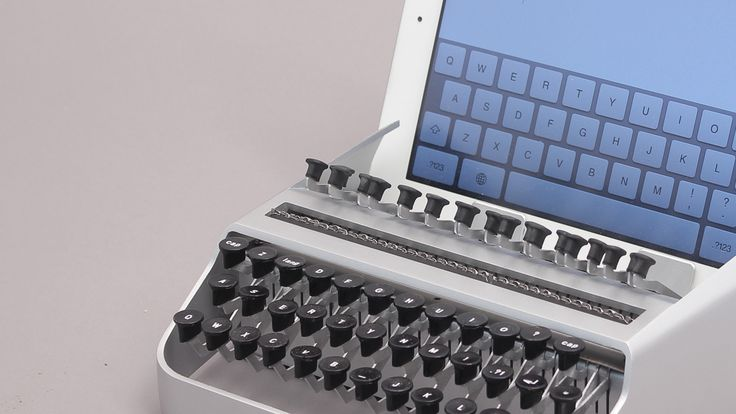 IPAD Typewriter... how FN' cool is that!!!!