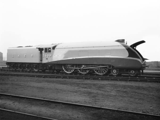 2509 Silver Link Brand New Awaiting Checks From Sir