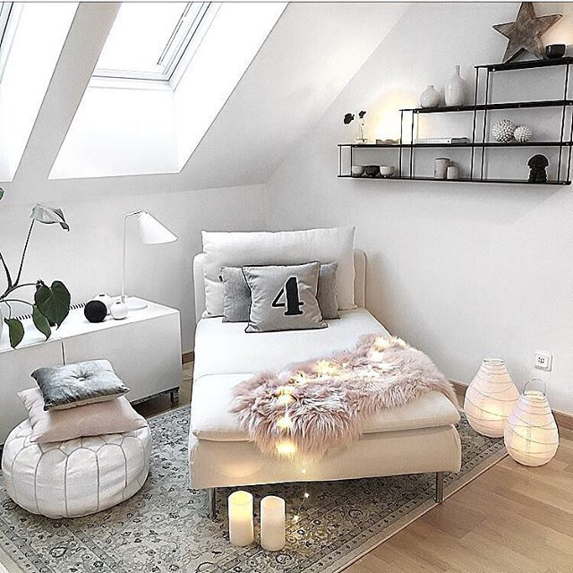Cozy corner ✖️ via @interior_by_nina ✨#inspiration #interiordesign #interiordecor #interiordesignideas #homedecor #homedesign #homedecoration #decoration #decor #instahome #livingroom #livingroomdecor #livingroomdesign #scandinaviandesign #scandinavianstyle #scandinavianhome #cozyhome #cozycorner #stringlights #nook