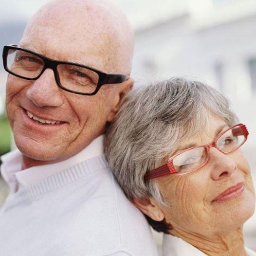 La #Catarata es una enfermedad ocular que está particularmente relacionada con la edad, es por esto que las personas mayores son las directamente afectadas. En la #ClínicaCeo contamos con los mejores especialistas para el tratamiento y cirugía de esta enfermedad ocular. Comunícate con nosotros al (4) 448 04 08. Foto vía http://goo.gl/lbtYv0