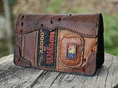 Custom Field Notes Cover/Wallet Built From Baseball Gloves-Vvego #vvegooriginal #baseball #baseballwallets #fieldnotescover #customleather #edc #everydaycarry #giftsforhim Find Us On Instagram @vvegogear @vvego