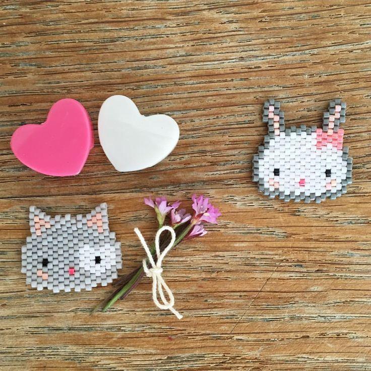 P'tit Chat Joli Cœur a tout essayé ...mais le cœur de Pinpinette est déjà pris...par Jeannot le plus beau... Mariage J-3 ! #jenesuispasfollevoussavez #perles #perlesaddict #perlesaddictanonymes #miyuki #tissage #tissageperles #brickstitch #motiffannyandbarry #jesuisunesquaw #jenfiledesperlesetjassume #tribupetitsioux #chat #lapin #cat #rabbit ## #