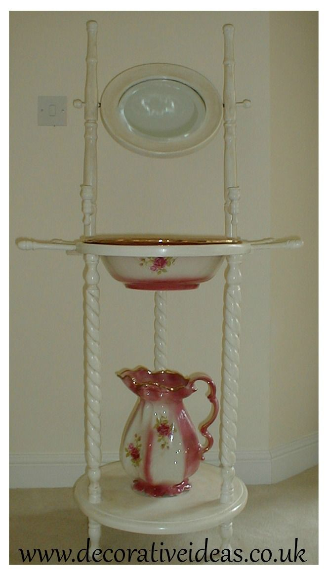 Painted in Dulux Eggshell in Magnolia by http://www.decorativeideas.co.uk