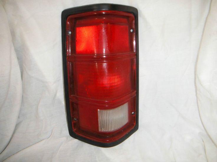 1993 Explorer DRIVER'S side Tail Light