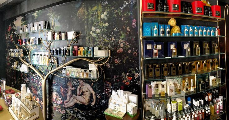 #rosinaperfumey #nicheparfumery #nicheperfumes #perfumes #parfum #cologne #luxury #luxurylife #highendperfume #interiordesign #furniture #design #art #tripadvisor #location : #giannitsopoulou6 #glyfada #athens #greece #shoponline : www.rosinaperfumery.com ❤️