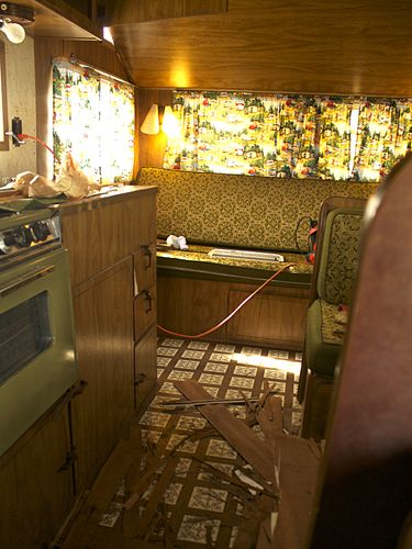before and after vintage camper makeover bus love camper makeover vintage camper interior. Black Bedroom Furniture Sets. Home Design Ideas