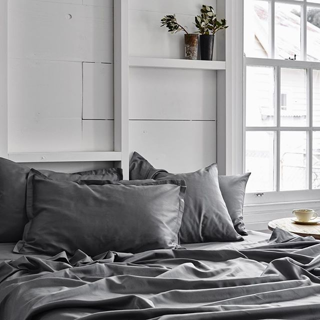 Weekends are simply not long enough. #sheetsontheline #sunday #dreamy #organiccotton #organicbedlinen
