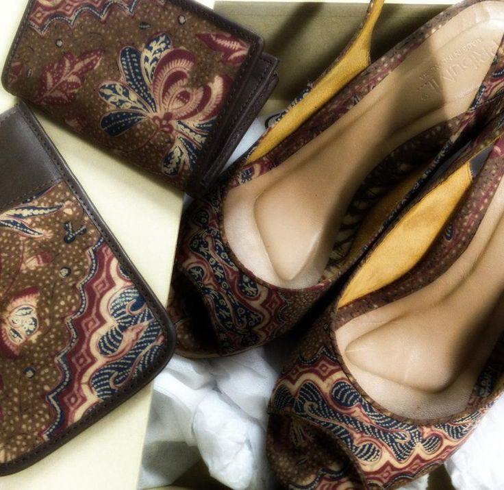 Iphone Case, Name Card Wallet, Wedges all in Batik KopiTutung by PRibuMI