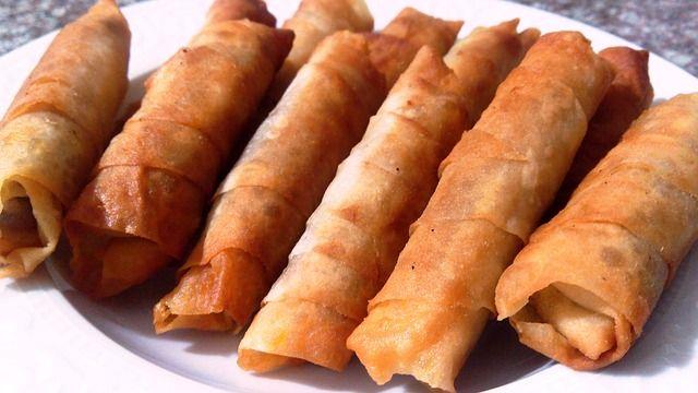 Beş çaylarının baş tacı ,yapılışı oldukça kolay bir sigara böreği çeşidi olan patatesli mini börek tarifi ile kısa sürede tek lokmalık lezzetler için ziyar