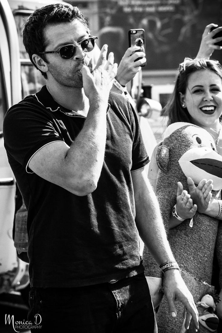 Monica D Photography ‏@MonicaDPhoto  Nov 22 .@mishacollins : @gishwhes @gishbus visit to Petco Park, San Diego Comic Con, July 2016 #sdcc #sdcc2016