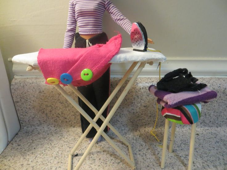 Cómo hacer una tabla de planchar para muñecas / How to make a doll ironi...