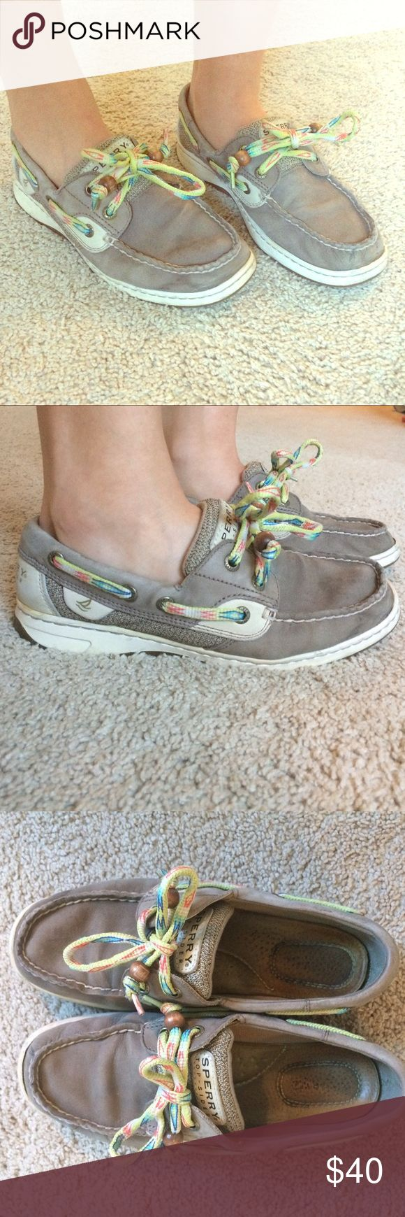 Sperry Topsiders Women's boat shoes Very comfortable soft leather. Never gave me any blisters. Fun laces. Used. Size 6. Sperry Top-Sider Shoes Flats & Loafers