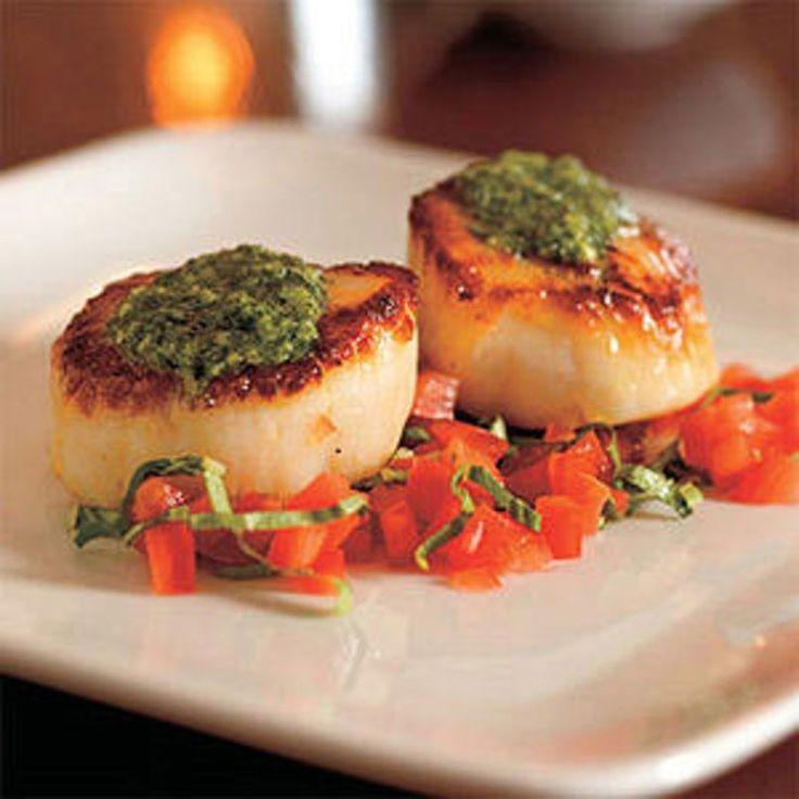 Pan-Seared Scallops with Pesto and Tomato