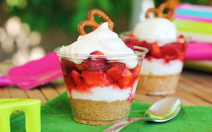 Summertime Delights: 20-Minute Strawberry-Pretzel Dessert Cups