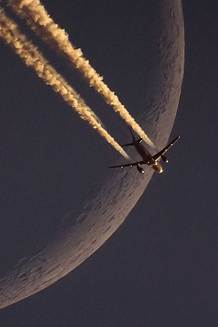 LH A320 vs Moon with chemtrails google geoengineering we are being sprayed like bugs
