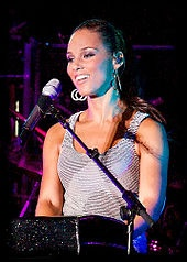 Alicia Keys ... Love her!
