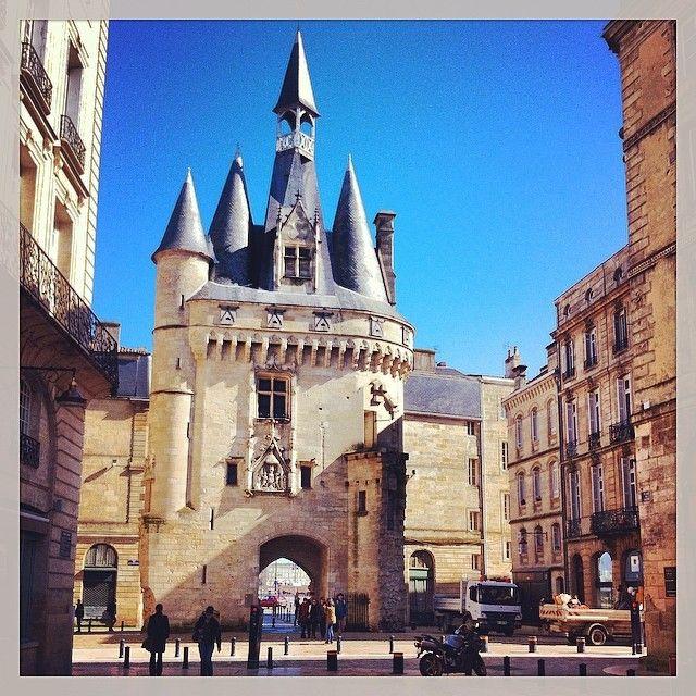 Porte Cailhau, place du Palais - Bordeaux, France