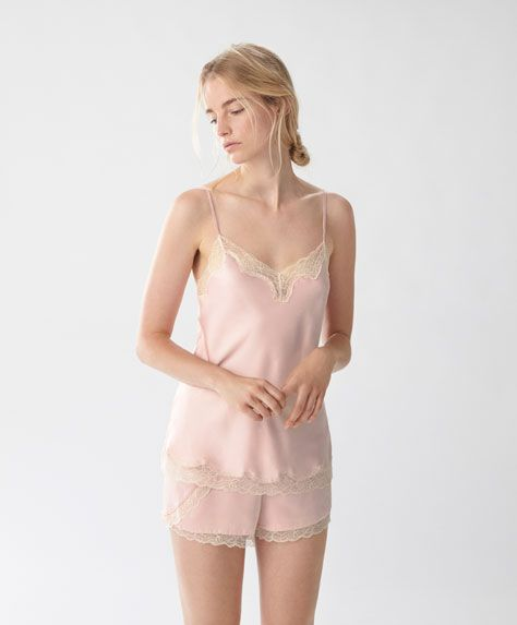 Glossy pink T-shirt with blonde lace - New In - LINGERIE | Autumn Winter 2016 - Oysho United Kingdom
