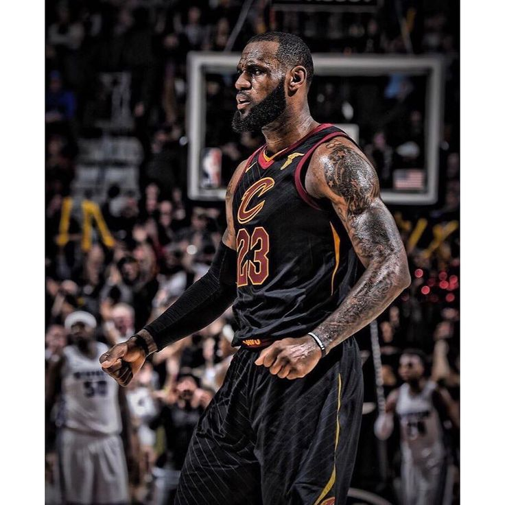 LeBron (7,977) needs 23 more Rebounds to reach 8,000 for his career. #repre23nt