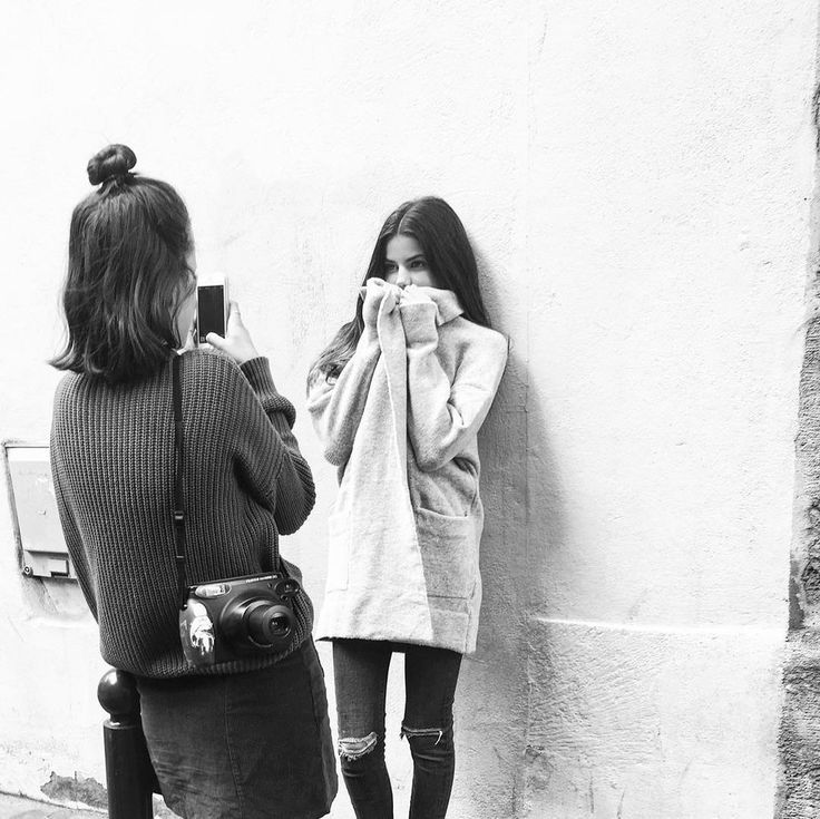 And Has Mastered All the Blogger Poses | Brooklyn Beckham's Girlfriend, Model Sonia Ben Ammar | POPSUGAR Fashion Photo 5