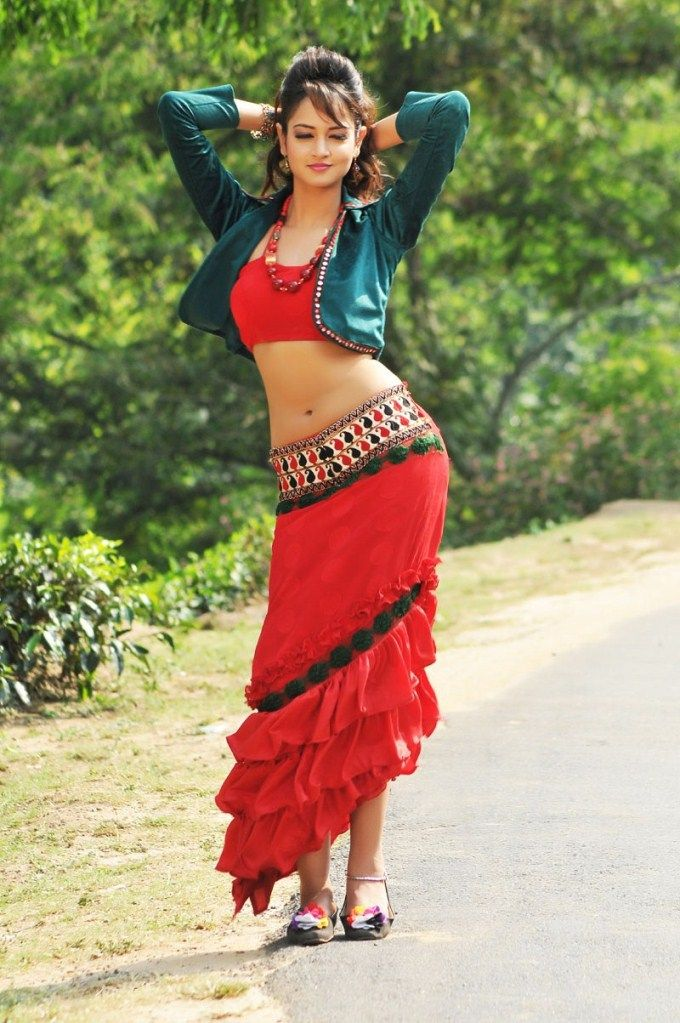 Film Pyar Mein Padipoyane Shanvi Hot Pictures      http://newwallpapers.in/shanvi-srivastava/