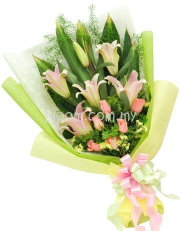 Mix Hand Bouquet 10