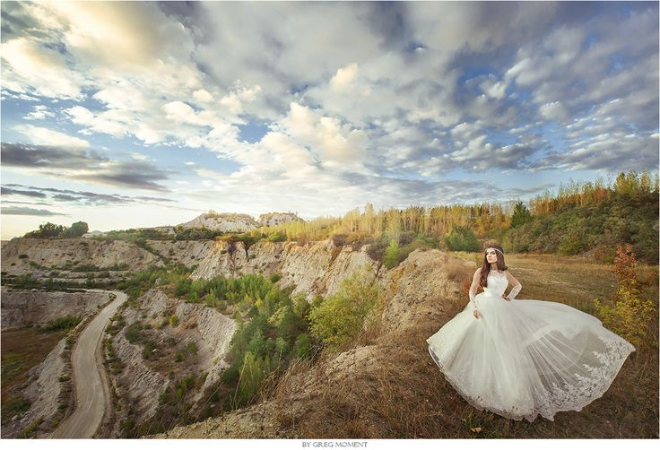 International workshops for wedding photographers & wedding photography: http://www.moment-workshops.com by Greg Moment