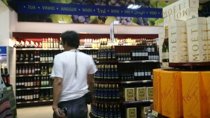 Di Dili, Supermarket Jual Bebas Aneka Minuman Beralkohol
