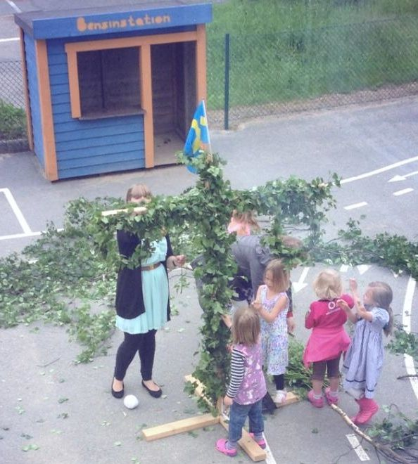 Bensinstation at Happy Kids Education Kungsbacka....Sweden