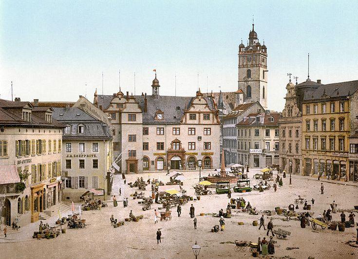 Darmstadt Square1900