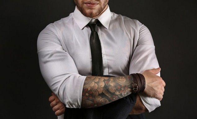 Ο απίστευτος λόγος που οι γυναίκες ελκύονται από τους άντρες με τατουάζ!