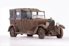 Berliet VIGB 10 HP Taxi coupé-chauffeur landaulet - 1926/1927. Artcurial Motorcars, Rétromobile 2015, Vente N° 2651 (Collection Baillon) - Lot N° 19.