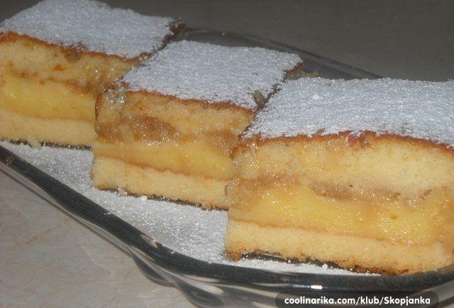 Šťavnatý vanilkový koláč s jablkami