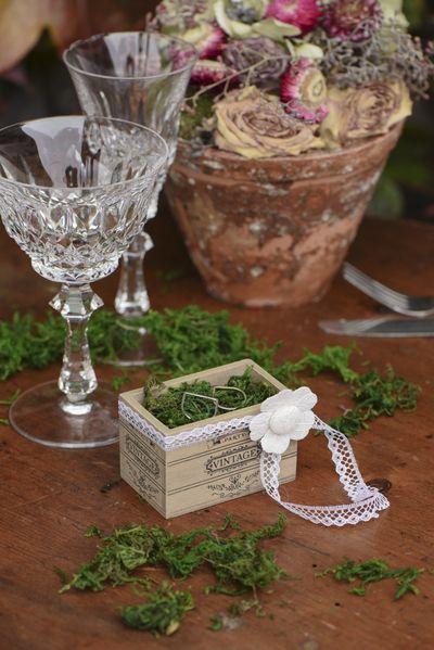 Une cagette vintage idéale pour un #mariage pour contenir vos dragées ou servir de pot décoratif pour vos compositions florales.