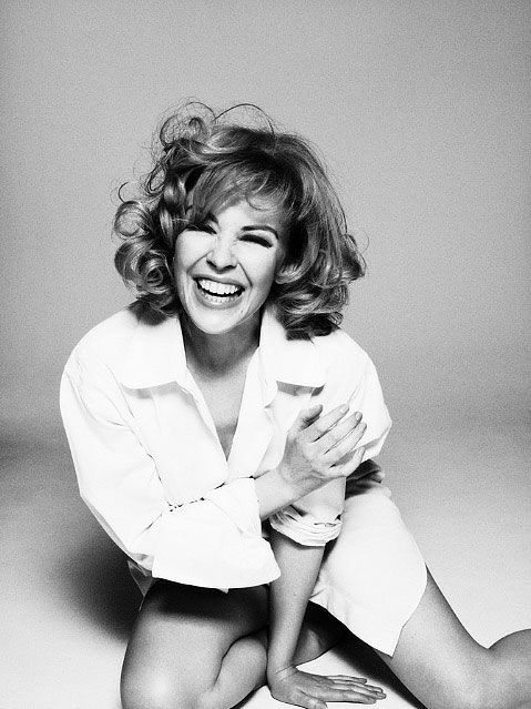 Kylie Minogue by Simon Emmett, 939 pic on Design You Trust