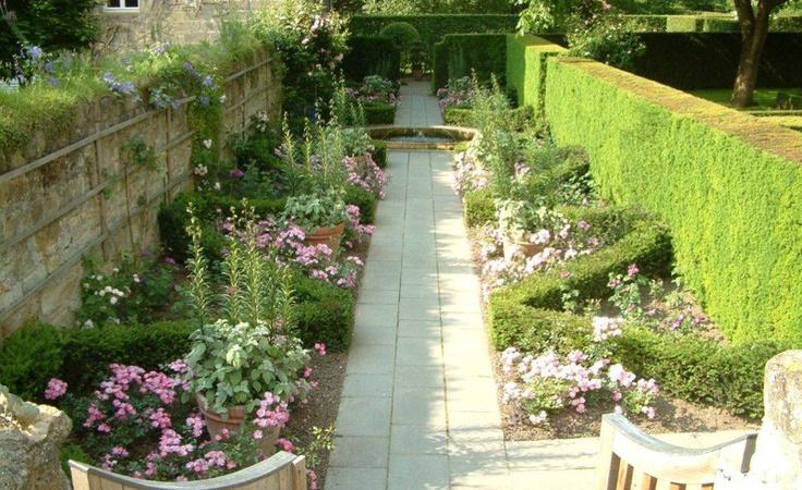 Huys de Dohm  Beautiful garden by Ineke Greve